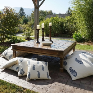 Serendipity Delhi cushions daybed