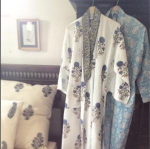 Serendipity Delhi cotton kimono white & blue robe