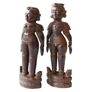 Marapatchi dolls carved from sandalwood