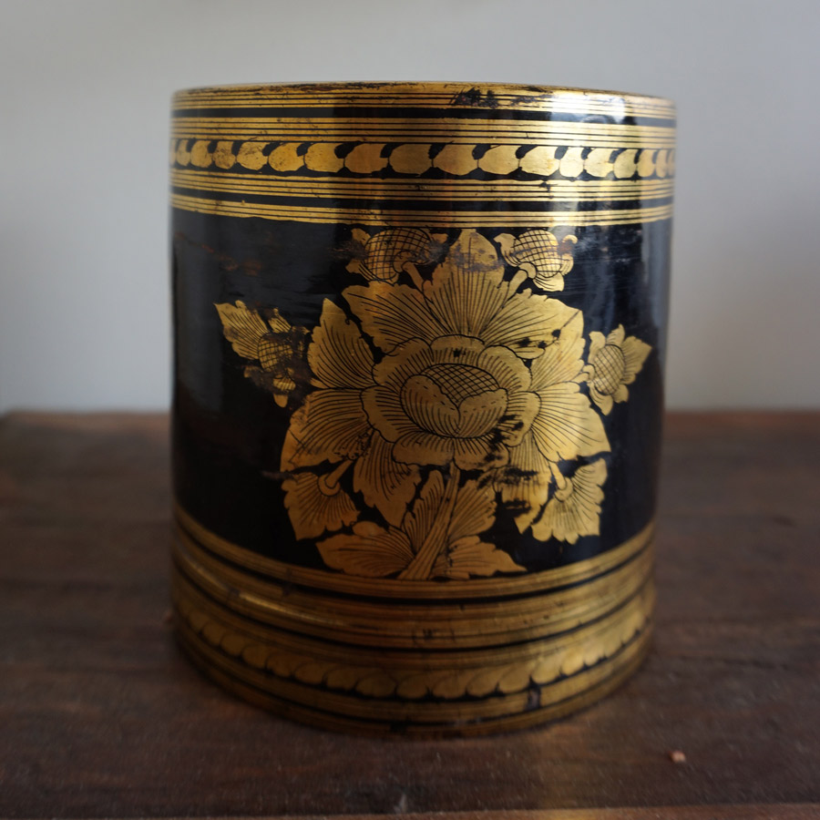 gold leafed container