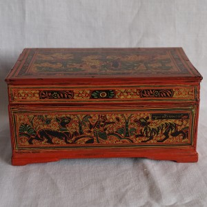 finely engraved lacquerware box